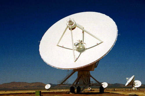 VLA A024,_VLA_Radio_Telescopes,_New_Mexico,_USA,_2001